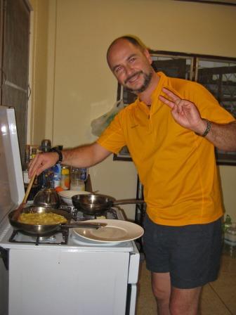 Y para colmo de males, apareció que se empeño en hacerme una tortilla de patata...