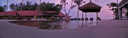 Piscina del Golden Sand Resort en Lamai Beach