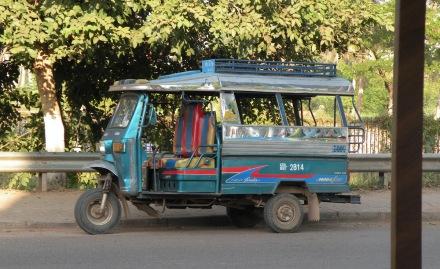 Tuk-tuk versión Vientiane