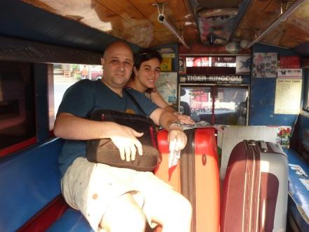 Una opción más cómoda que el tuk-tuk si vas cargado con equipajes