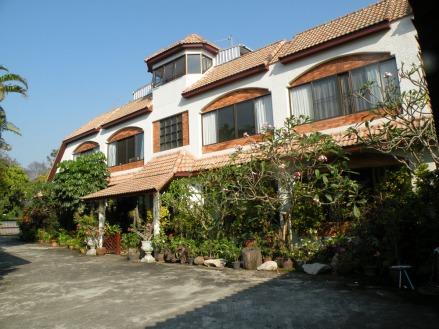Exterior casa Chiang Mai